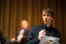 """Picture of Kristoffer Gansing announcing the panel """"MediaActs"""""""