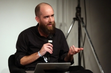 "Brian House at ""Machine Research – Interfaces"", transmediale 2017"