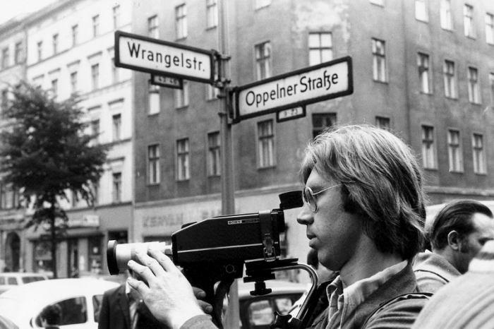 (Image: Dreharbeiten der MedienOperative in Kreuzberg, 1978, © MedienOperative B