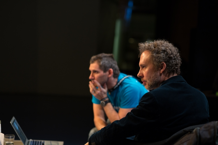 """Picture of François-Joseph Lapointe (in the back) and Christian de Lutz (in the front) at the talk """"1000 Handshakes – Towards an Aesthetic of the Microbiome"""""""