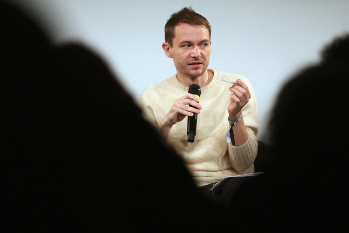 """Sascha Pohflepp at """"Middle Session: The Alien Middle"""", transmediale 2017"""