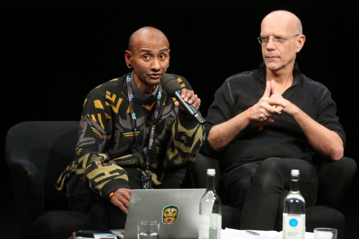 Sumugan Sivanesan and Geert Lovink (left to right) during the discussion What Moves You?
