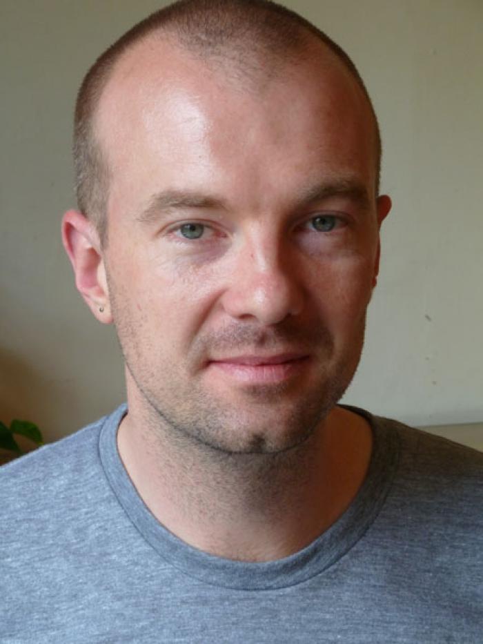 Portrait of Finn Brunton.
